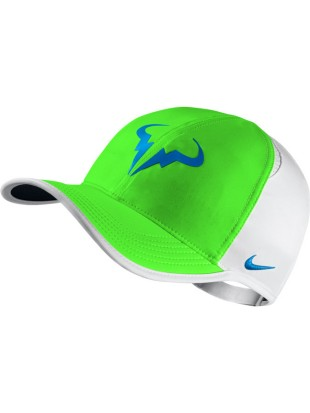 Kapa Nike Rafa Feather Light